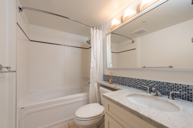 505 1189 Melville bathroom