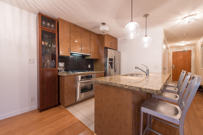 505 1189 Melville Kitchen